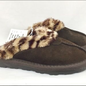 Target Shoes - Target Brown Suede & Fur Girl's Slippers Sz 11/12